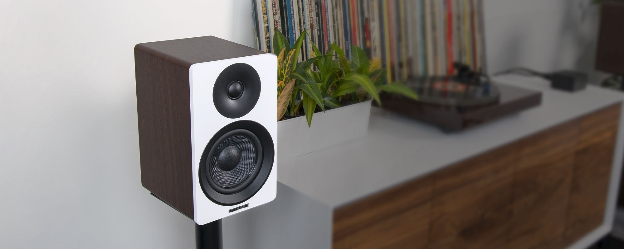 "Ai40WW Powered 5"" Bookshelf Speakers - Mobile Lifestyle"
