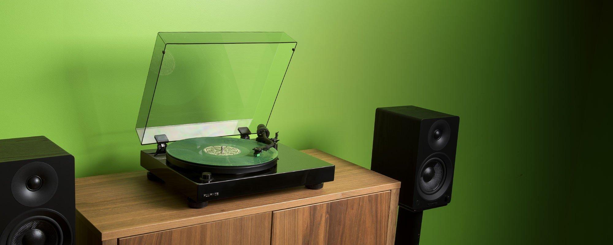 RT81T High Fidelity Vinyl Turntable