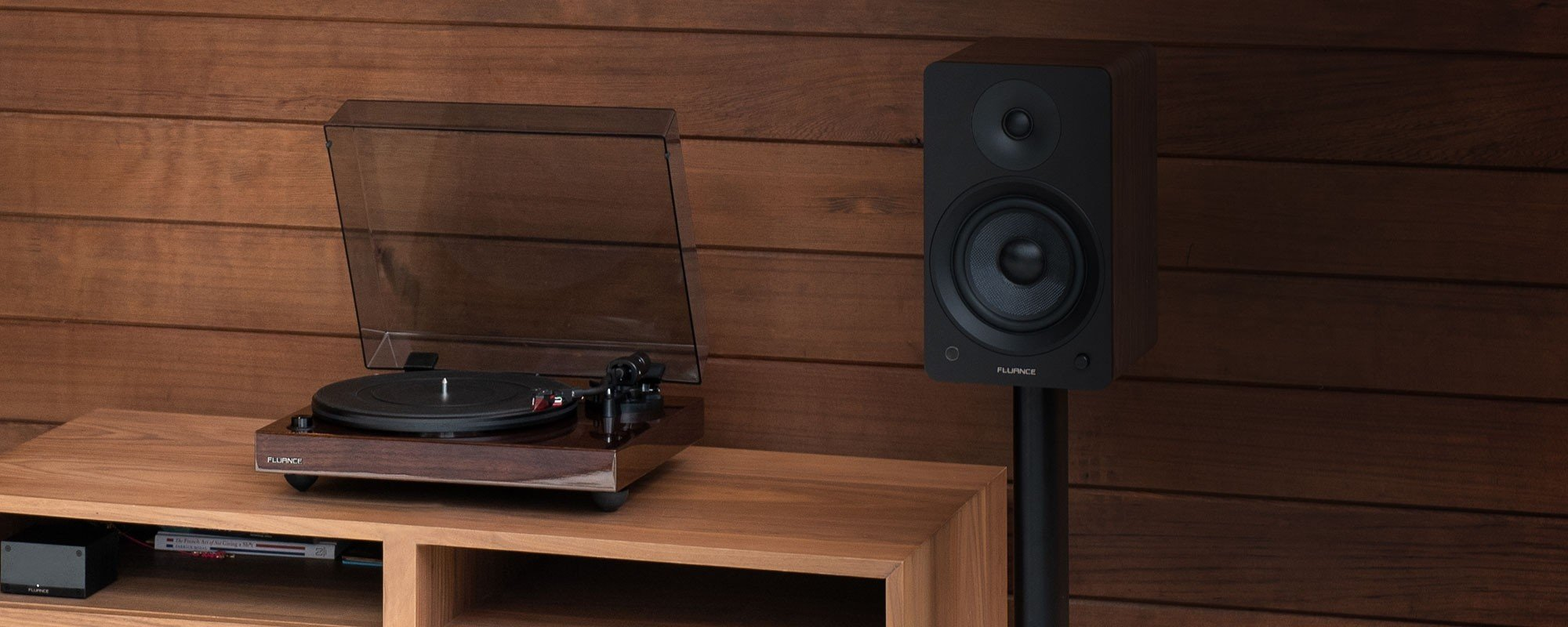 RT83W Reference High Fidelity Vinyl Turntable - LIfe Style 2