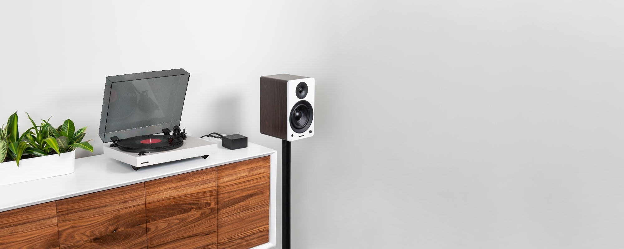 """Reference RT83 High Fidelity Vinyl Turntable with PA10 Phono Preamp and Ai61 Powered 6.5"""" Stereo Bookshelf Speakers - Lifestyle"""