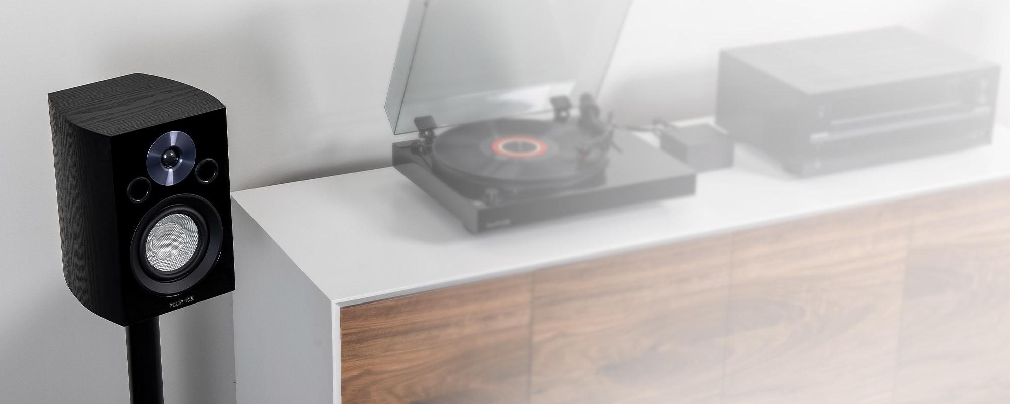 Fluance XL8S Bookshelf Speaker with record player