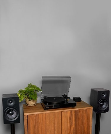 """RT80 Classic High Fidelity Vinyl Turntable with Ai61 Powered 6.5"""" Stereo Bookshelf Speakers - Lifestyle Mobile"""