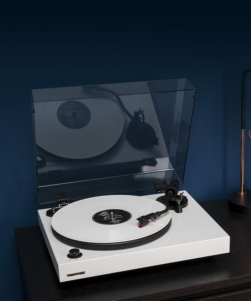 RT83WH Reference High Fidelity Vinyl Turntable - Lifestyle Mobile