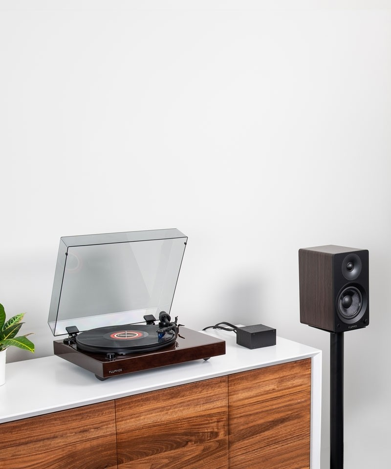 """Reference RT84 High Fidelity Vinyl Turntable with PA10 Phono Preamp and Ai41 Powered 5"""" Bookshelf Speakers - Lifestyle Mobile"""