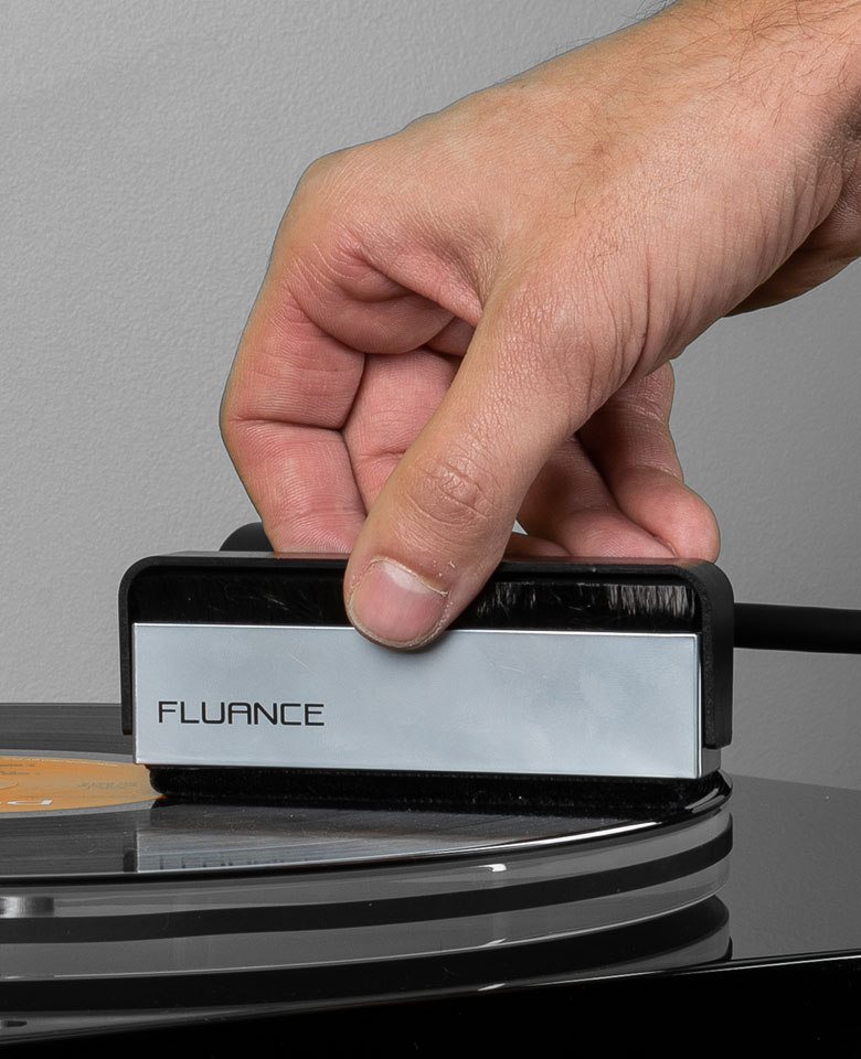Fluance Vinyl Record & Stylus Cleaning Kit with 2-in-1 Anti-static Carbon Fiber & Soft Velvet LP Brush and Stylus Brush