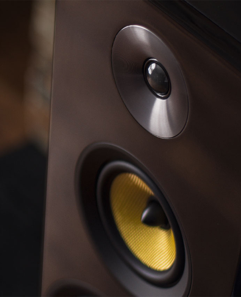 Signature Series Hi-Fi Three-way Floorstanding Speakers