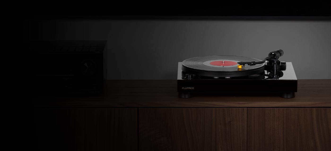 RT80 Classic High Fidelity Vinyl Turntable