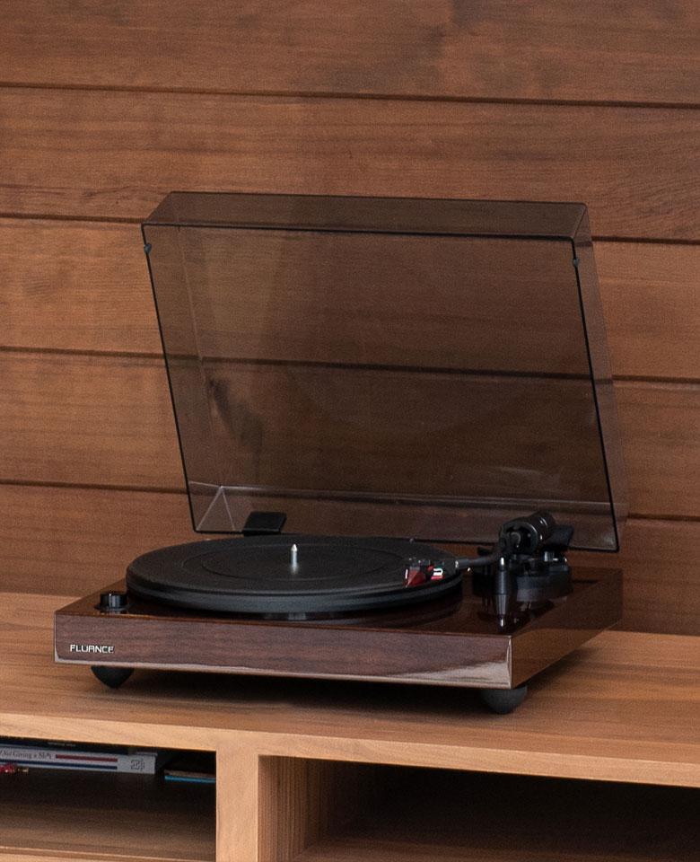RT83 Reference High Fidelity Vinyl Turntable